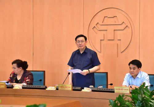 Bí thư Thành ủy Hà Nội Vương Đình Huệ phát biểu chỉ đạo