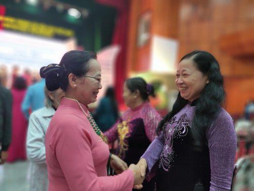 Đây là dịp để các bà, các chị và cán bộ hội viên phụ nữ ôn lại truyền thống lịch sử vẻ vang 90 năm Ngày thành lập Hội LHPN Việt Nam