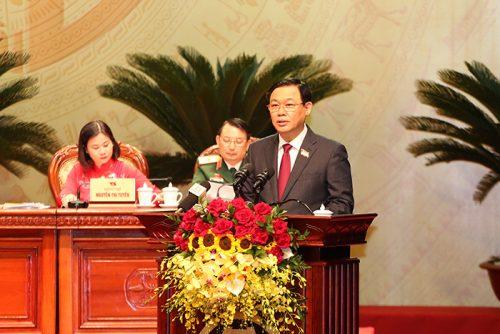 Đồng chí Vương Đình Huệ, Ủy viên Bộ Chính trị, Bí thư Thành ủy, Trưởng đoàn ĐBQH TP Hà Nội phát biểu tại Đại hội