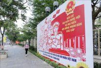 Tranh tuyên truyền, cổ động bầu cử trên phố Đại Cồ Việt. Ảnh minh họa: Hoàng Hiếu/TTXVN