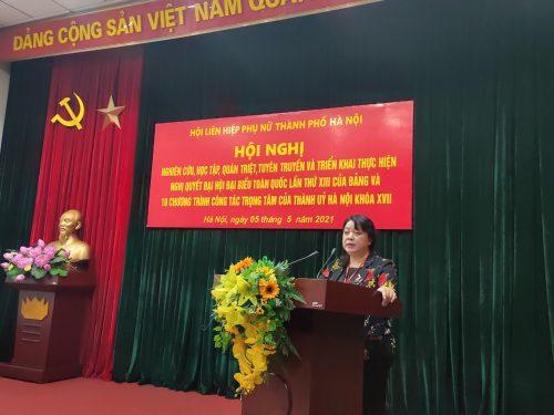 Đồng chí Nguyễn Thị Thu Thuỷ - Phó Chủ tịch Thường  trực Hội LHPN Hà Nội phát biểu tại hội nghị