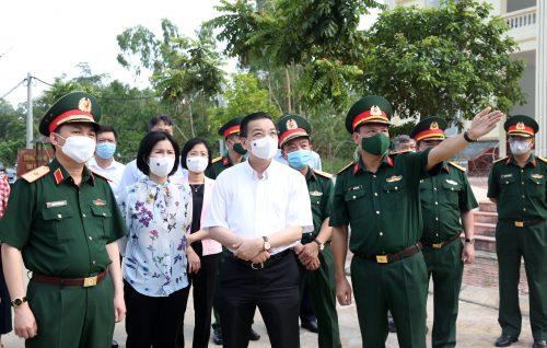 Đồng chí Chu Ngọc Anh - Chủ tịch UBND TP Hà Nội  kiểm tra khu cách ly trường quân sự Bộ Tư lệnh Thủ đô