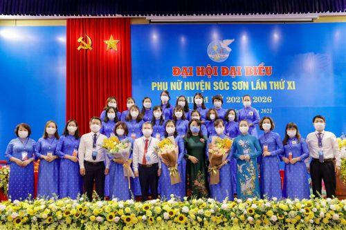 Ban Chấp hành Hội LHPN huyện khoá mới ra mắt Đại hội