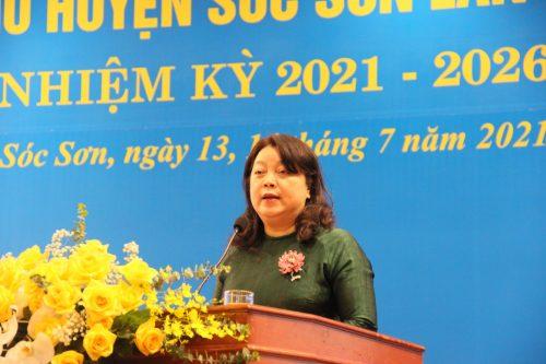 Đồng chí Nguyễn Thị Thu Thuỷ - Phó Chủ tịch Thường trực Hội LHPN Hà Nội phát biểu chỉ đạo Đại hội