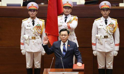 Chủ tịch Quốc hội khóa XV Vương Đình Huệ tuyên thệ nhậm chức. Ảnh: Dương Giang