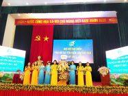 Hội LHPN huyện Gia Lâm tặng hoa chúc mừng đại hội